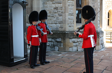 cambio della guardia a Londra