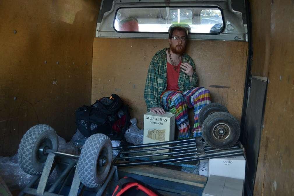 Luca - In un furgoncino direzione Lisbona