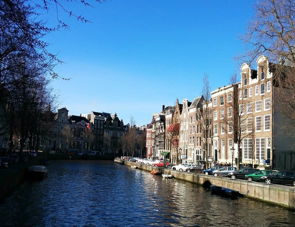 Cosa e dove mangiare ad amsterdam low cost e non for Camere amsterdam low cost