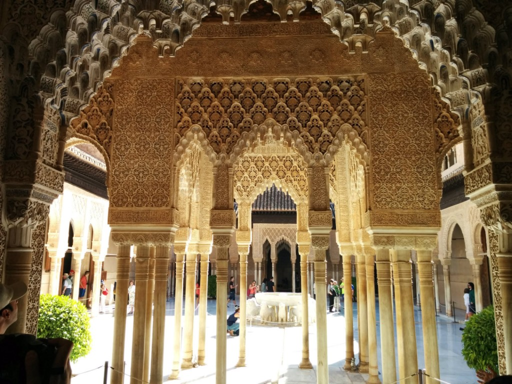 Alhambra: patio de los leones