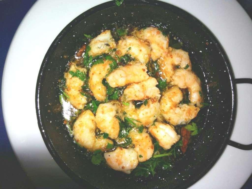 Gamberetti con aglio