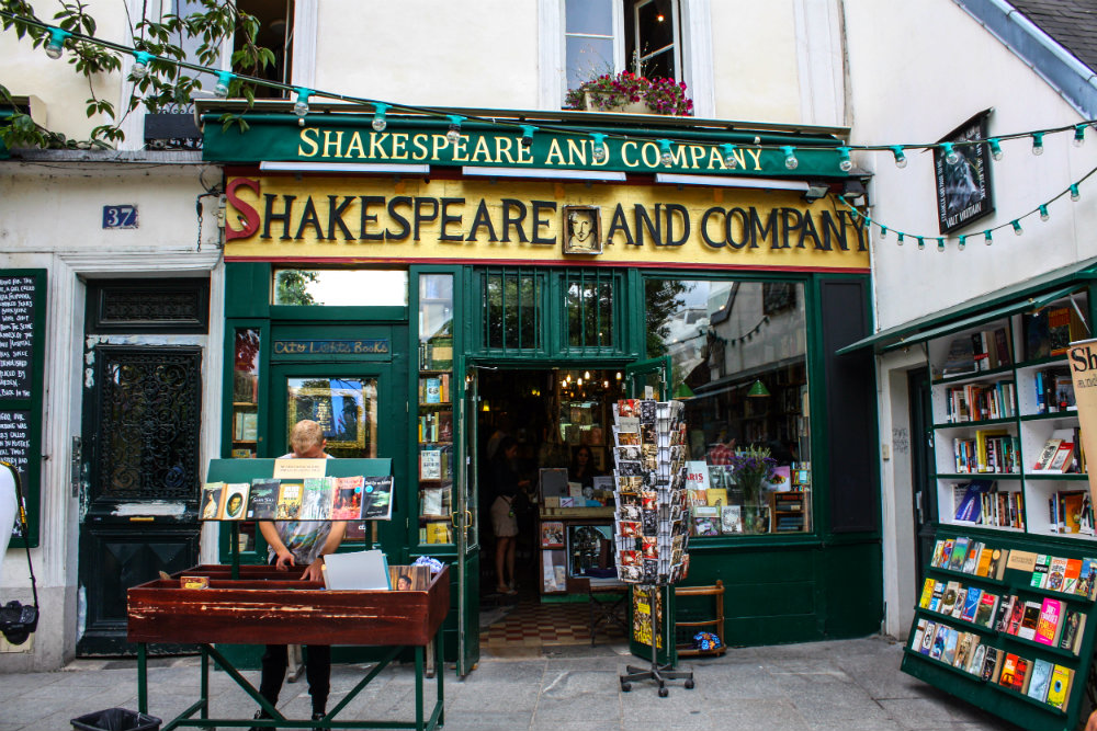 midnight-in-paris-Shakespeare_and_Company_bookstore