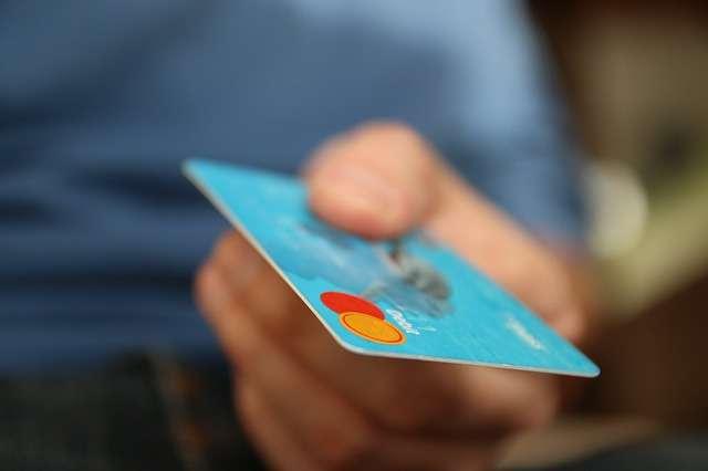 viaggi-fai-da-te-carta-di-debito