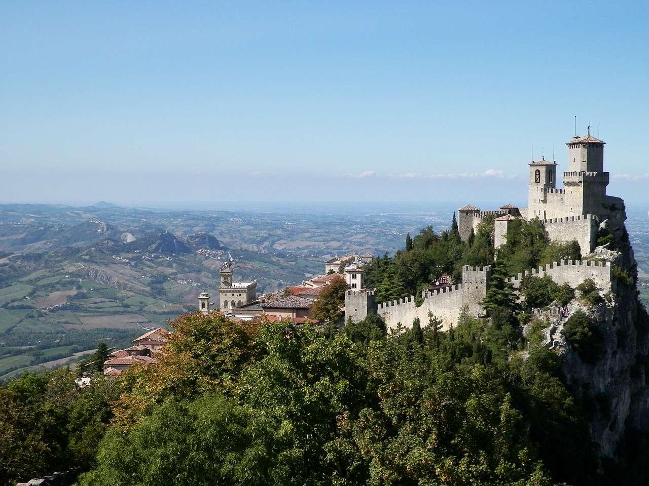 San marino 5 cose da vedere travelling with liz for Case belle da vedere