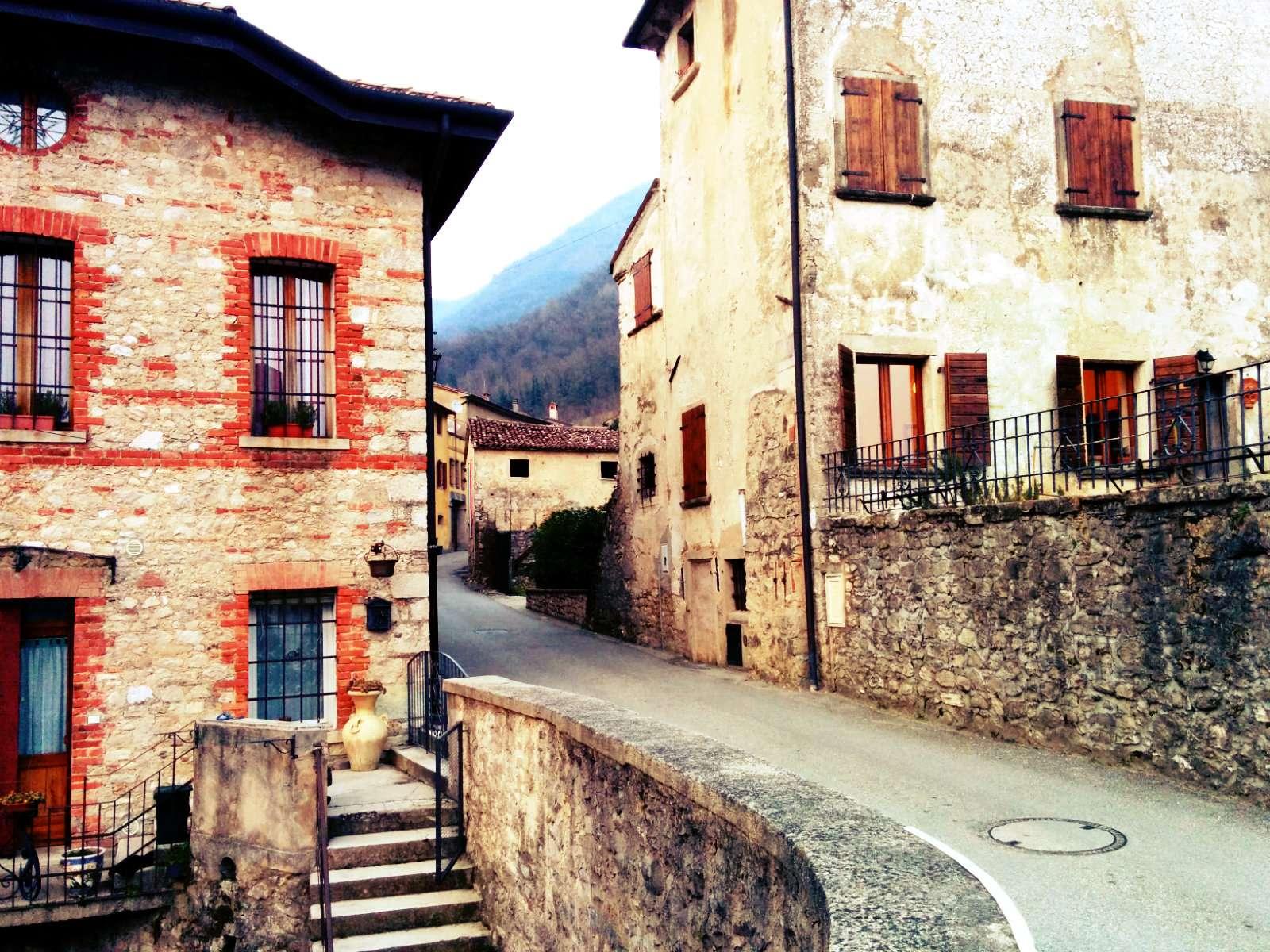 Cison di Valmarino: borgo veneto, teatro di curiosi avvenimenti