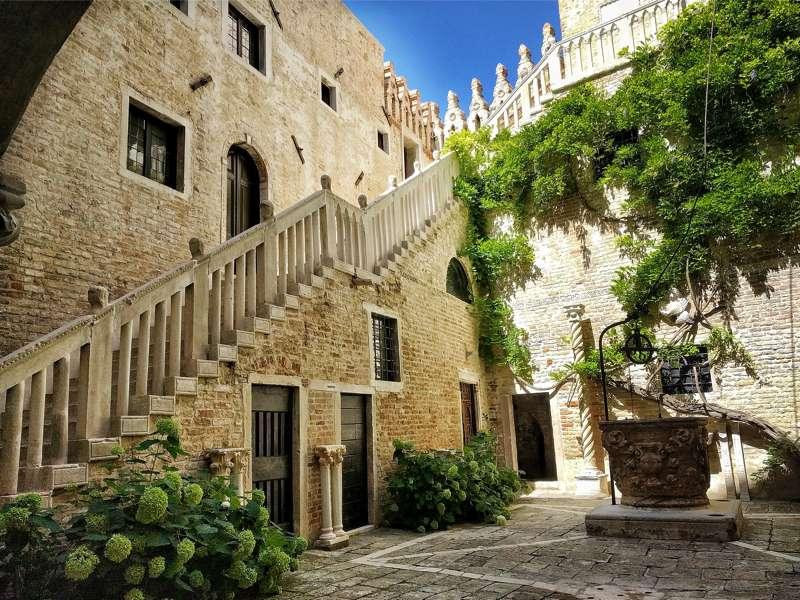 Palazzo Soranzo Van Axel - turista per un giorno a Venezia 800x