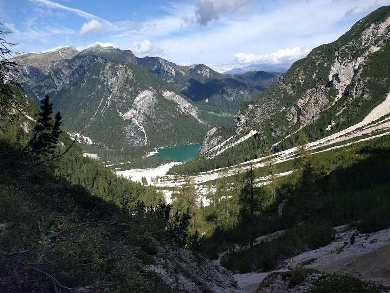 Vista-sul-lago-di-braies