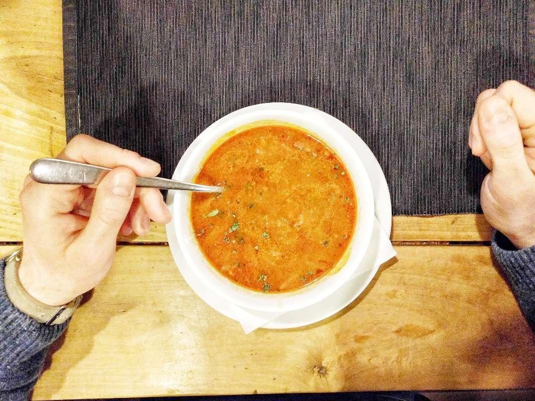 Dove mangiare bene a Praga spendendo poco - zuppa al pomodoro