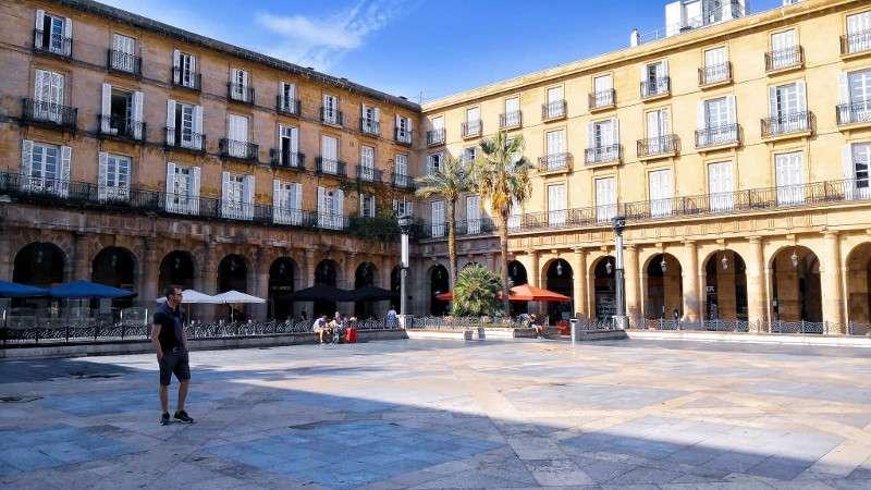 Cosa vedere a Bilbao: Plaza Nueva